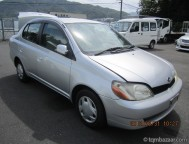Used Toyota Platz Sedan (2002)