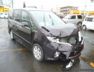 Damaged Nissan Serena Wagon (2011)