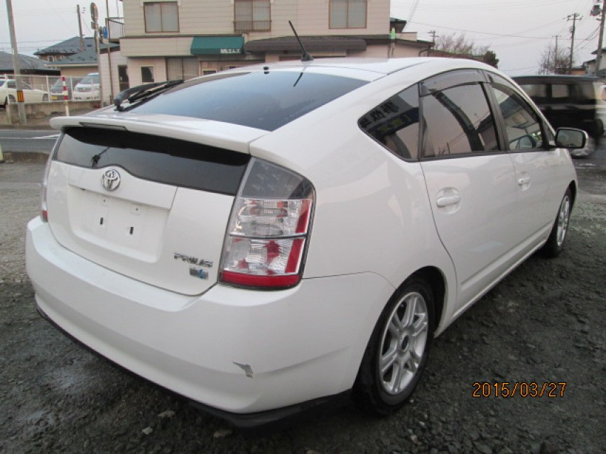 used haims hatchback serving at motors prius four toyota detail