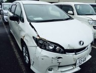Damaged Toyota Wish Wagon ZGE20 (2011)