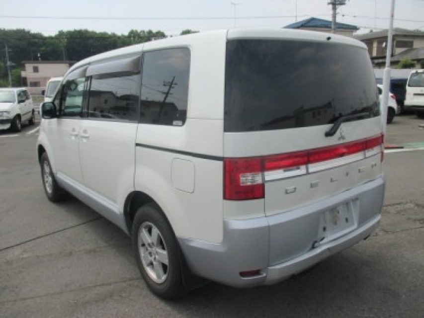 Used Mitsubishi DELICA D-5 2011 best price for sale and export in ...