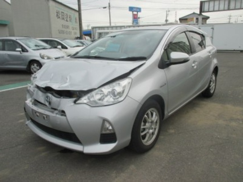 Damaged Toyota AQUA 2012 best price for sale and export in Japan ...