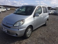Used Toyota Fun Cargo Wagon GH-NCP25 (2000)