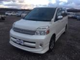 Used-Toyota-Voxy-Wagon_1492917193.jpg