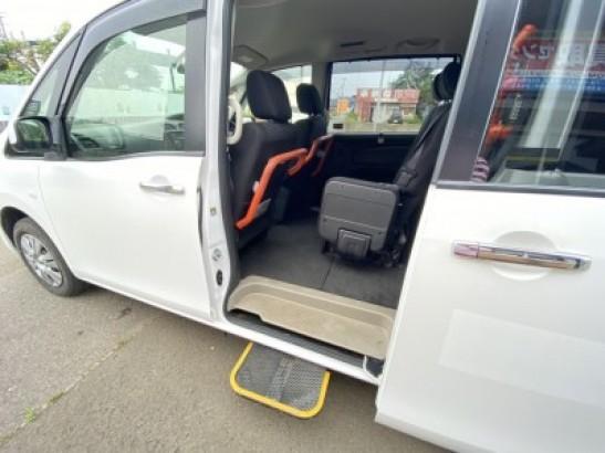 Used Nissan Serena Mini Van DBA-NC26 (2013)