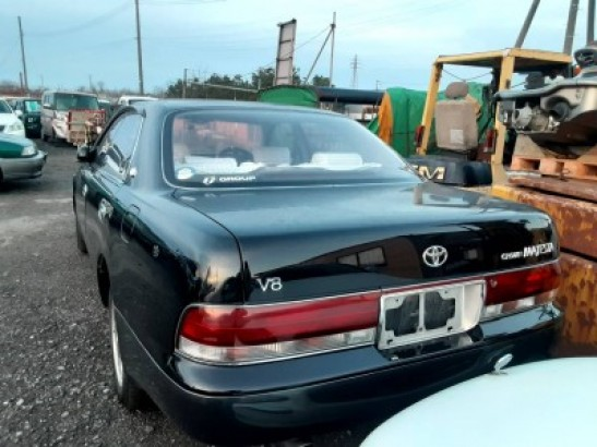 Used Toyota Crown Majesta Sedan E-UZS141 (1994)