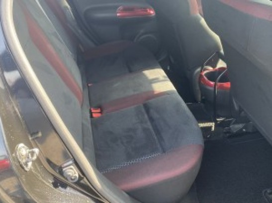 Used Nissan JUKE SUV DBA-YF15 (2012)