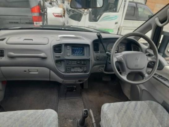 Used Mitsubishi Delica Space Gear Wagon KD-PD8W (1996)